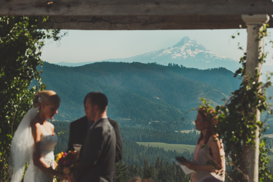 husum-highlands-gorge-wedding-022