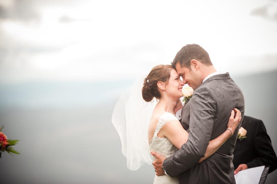 pacific-northwest-fall-gorge-crest-wedding-002