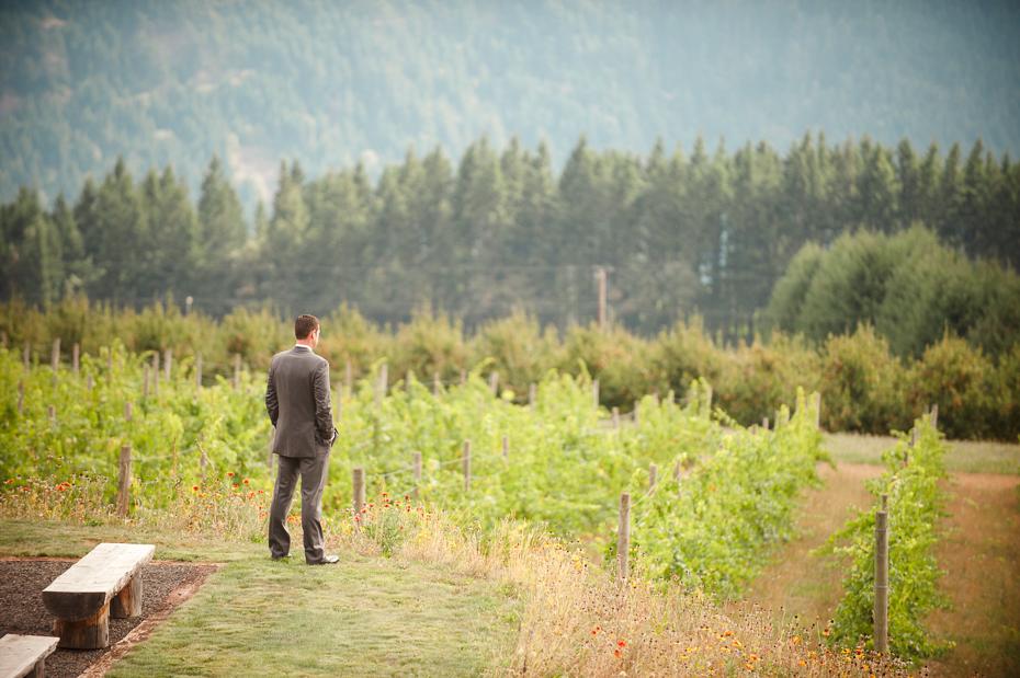 pacific-northwest-fall-gorge-crest-wedding-009