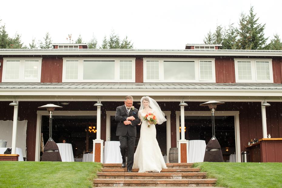 pacific-northwest-fall-gorge-crest-wedding-018