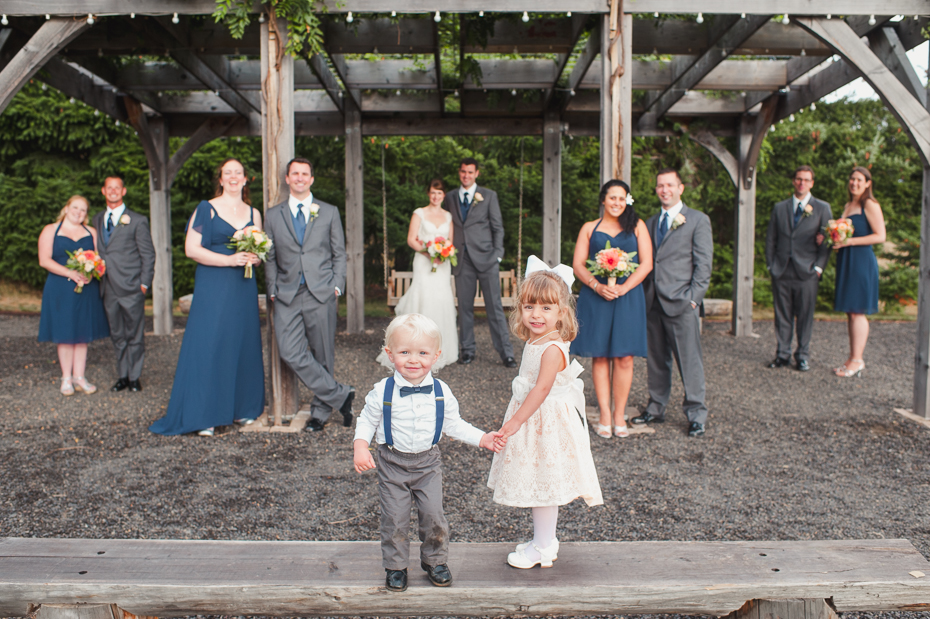 pacific-northwest-fall-gorge-crest-wedding-028