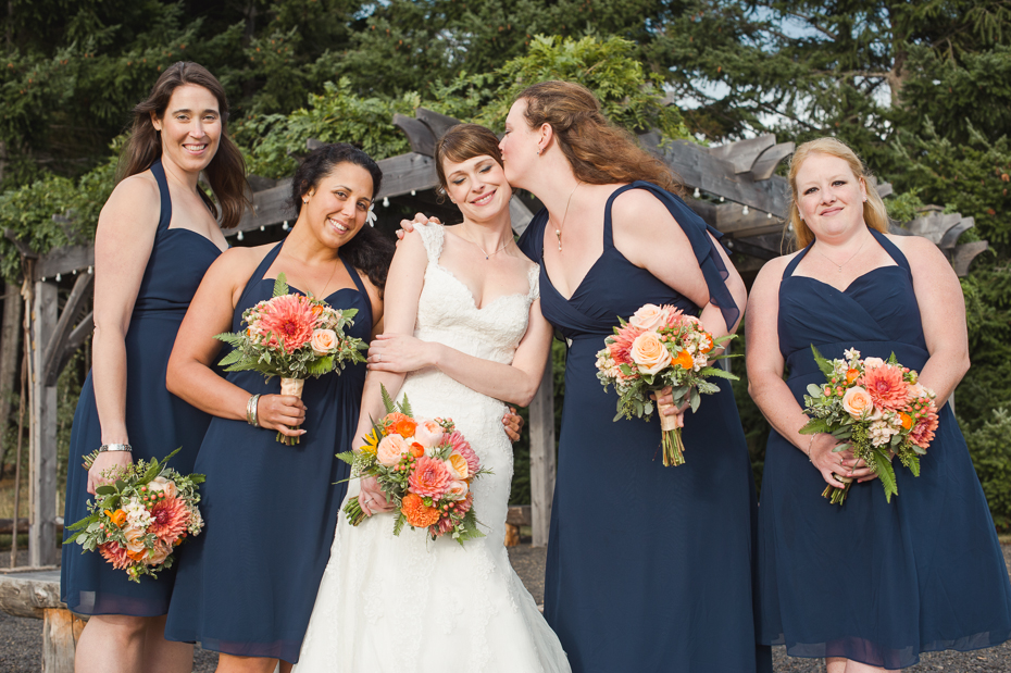 pacific-northwest-fall-gorge-crest-wedding-032