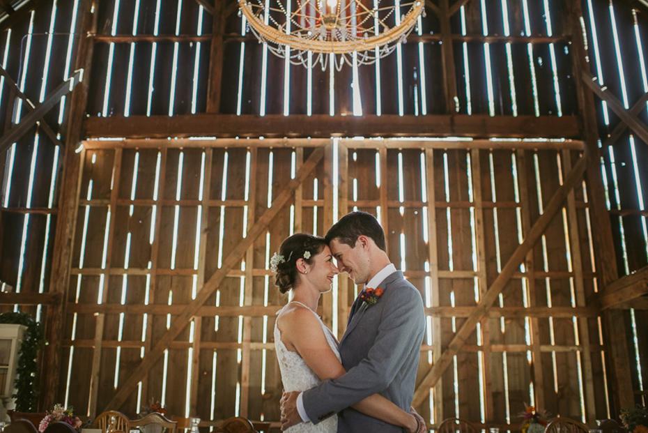 013 tin roof barn columbia gorge wedding
