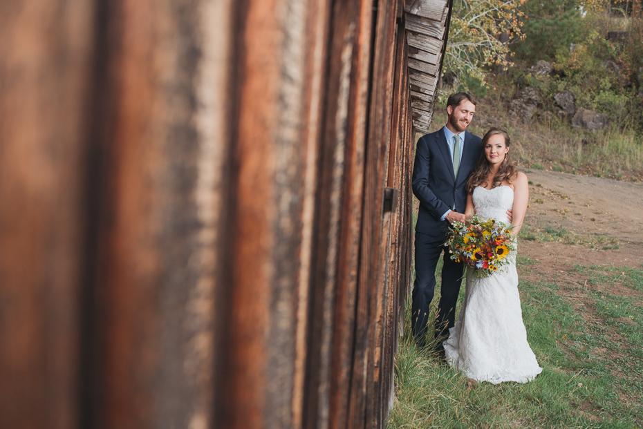 058 house on metolius central oregon wedding