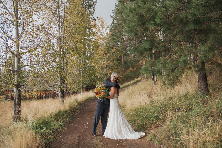 063 house on metolius central oregon wedding