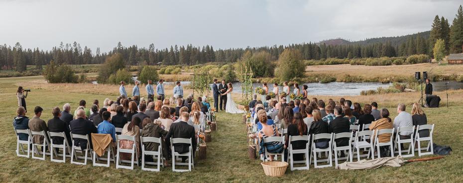 066 house on metolius central oregon wedding