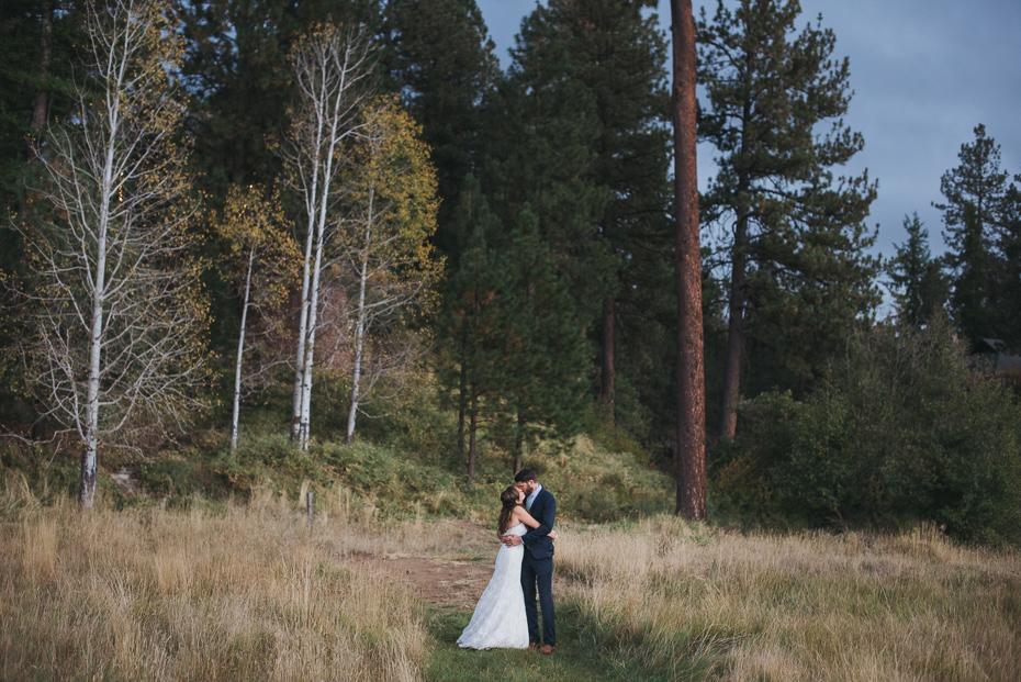 086 house on metolius central oregon wedding